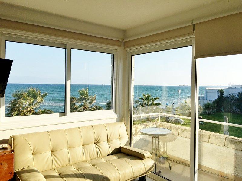 ★ Beachfront House ▶ 20m to the Beach!★, alquiler vacacional en Oroklini