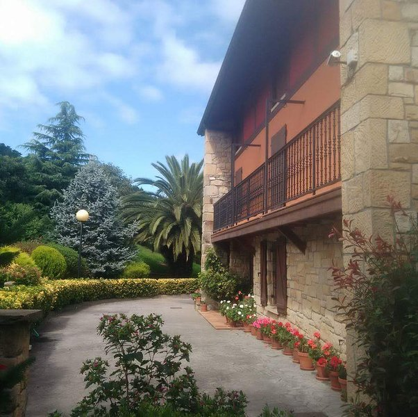 Big house with terrace & Wifi, location de vacances à Gernika-Lumo