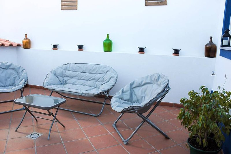 Beautiful house with terrace & Wifi, location de vacances à Vimieiro