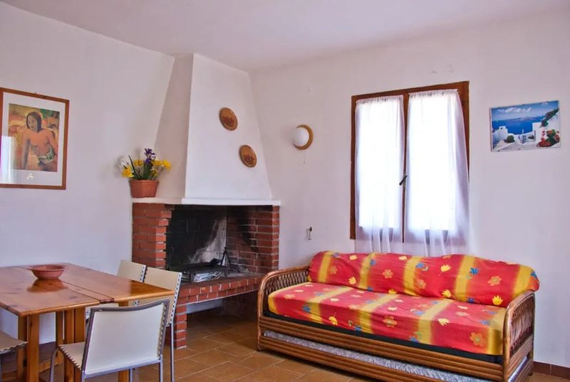Nice house with garden & balcony, holiday rental in Agrustos
