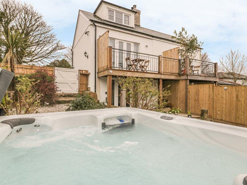 CRIFT FARM COTTAGE, hot tub, Lanlivery, location de vacances à Luxulyan