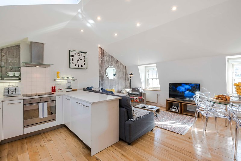 Bright and spacious, this apartment is the perfect London base