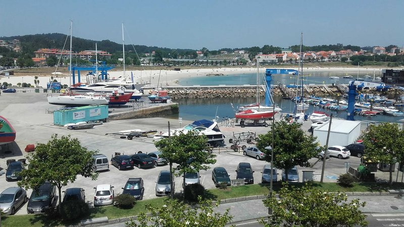 Apartment - 3 Bedrooms with WiFi and Sea views - 107678, holiday rental in Portonovo