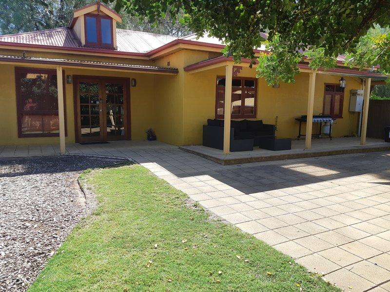 Rivergum Cottage  Gawler Barossa Region, vacation rental in Gawler