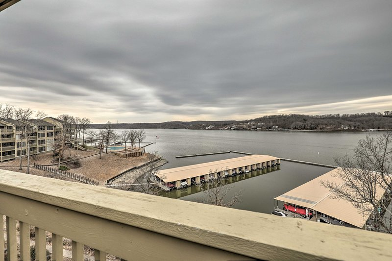 This 3-bedroom, 2-bath vacation rental condo overlooks Lake of the Ozarks.