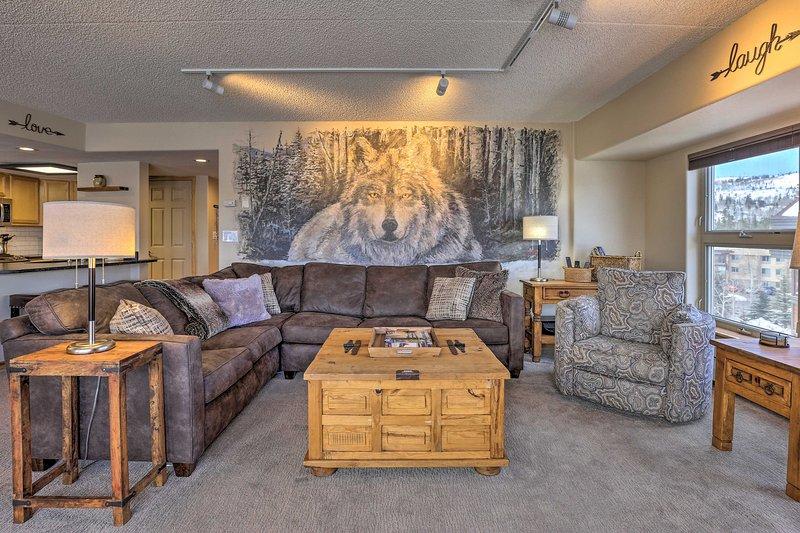 Te encantarán los muebles rústicos dentro de este 5º piso.
