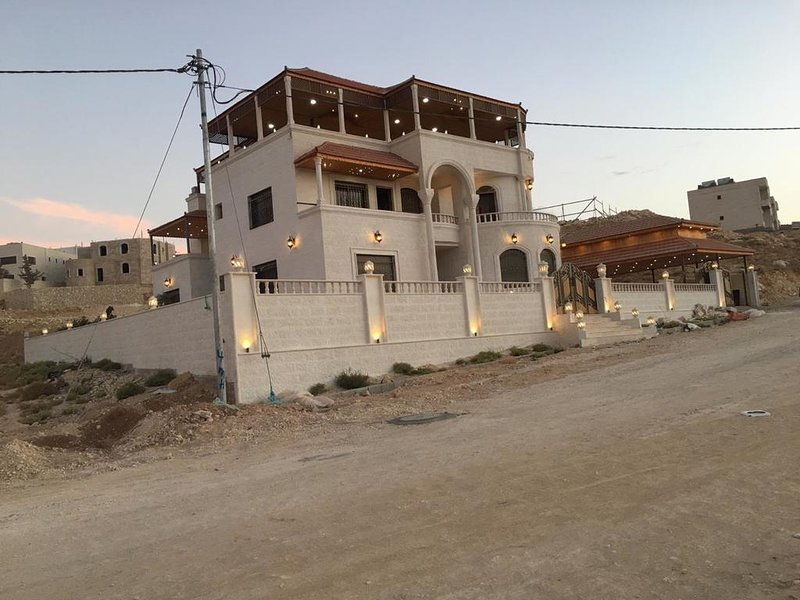 Relaxing Oasis (Double Room 3), holiday rental in Petra - Wadi Musa