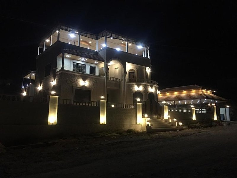 Relaxing Oasis (Double Room 1), holiday rental in Petra - Wadi Musa