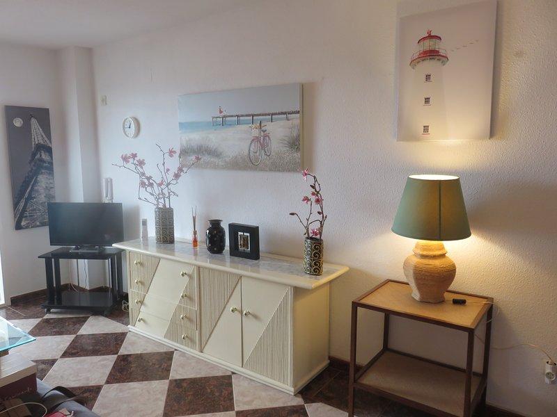Apartamento orientado al mar ,sito en Carihuela Playa, holiday rental in Torremolinos