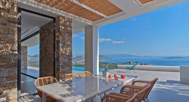 NafplioBlu - New Contemporary Infinity View Villa near Nafplio, Peloponnese, Ferienwohnung in Nafplio