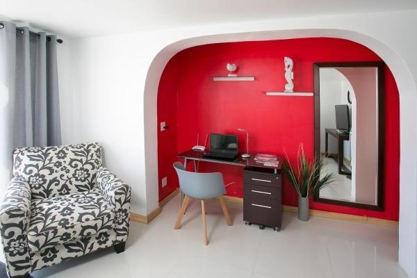 El Zafiro: Ruby Suite - Unforgettable Getaway!, holiday rental in Simpson Bay