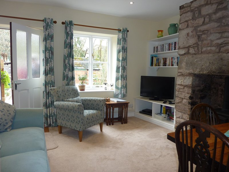 No 10 Dulas, Cosy Cottage with Garden and Parking, alquiler de vacaciones en Hay-on-Wye