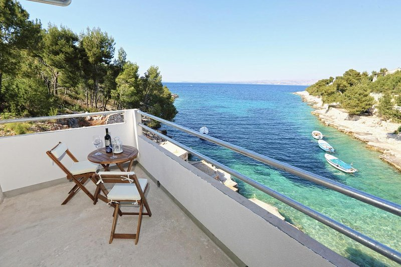 Stiniva Apartment Sleeps 3 with Air Con - 5468842, holiday rental in Brusje