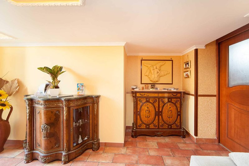 Made in naples  appartament 2, holiday rental in Naples
