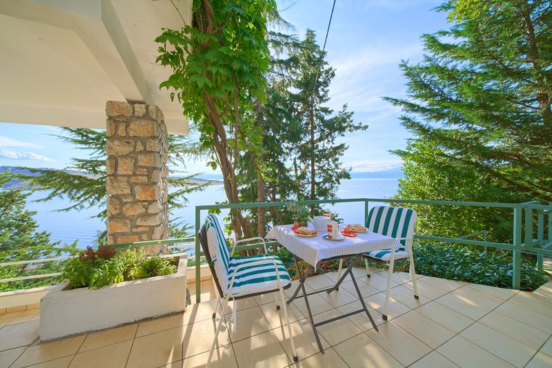 Apartments Six: Your Beach and Seaside Apartment with View, vacation rental in Kraljevica