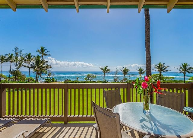 Kaha Lani Resort #218, 2BR Beautifully  Remodeled, Pristine Oceanfront Views, alquiler vacacional en Lihue