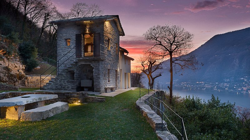 Luxury villa Felce, vacation rental in Torno