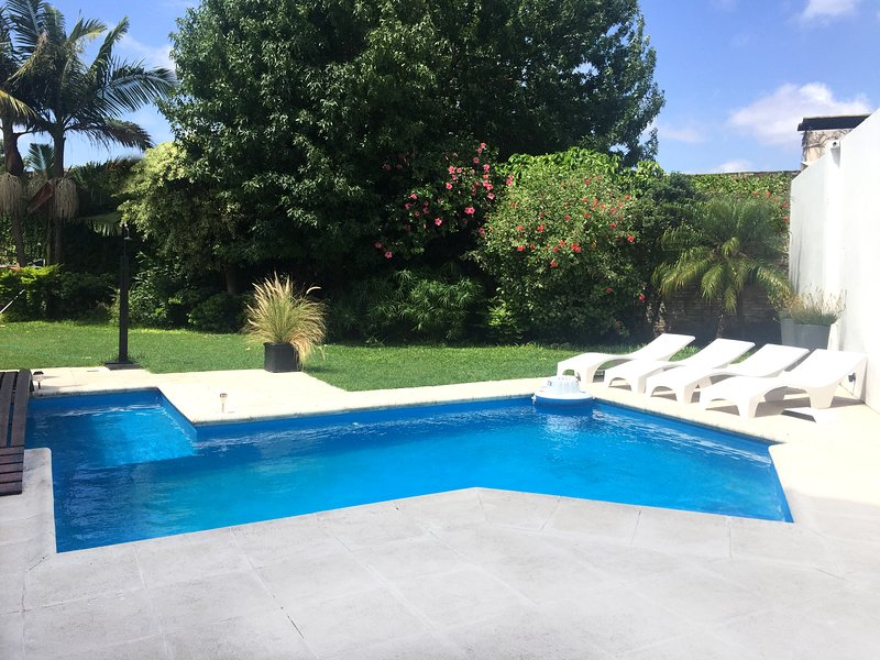 The House Hotel Boutique Rosario - Private Room w/ Private Bathroom, holiday rental in Granadero Baigorria