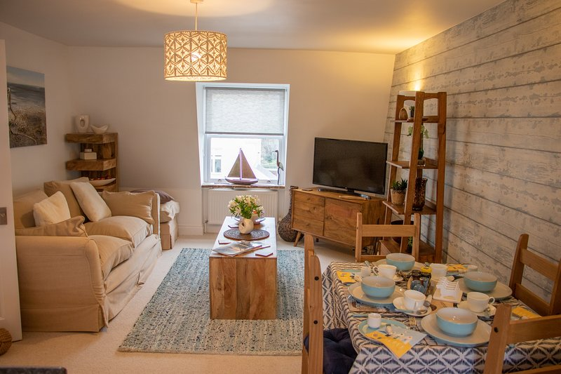 The Beach House, Driftwood Apartment, holiday rental in Jevington