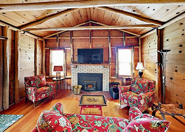 The Chalet: All-Suite Home w/ Sunroom - Nestled on Private 1,700-Acre Ranch, vacation rental in Nipomo