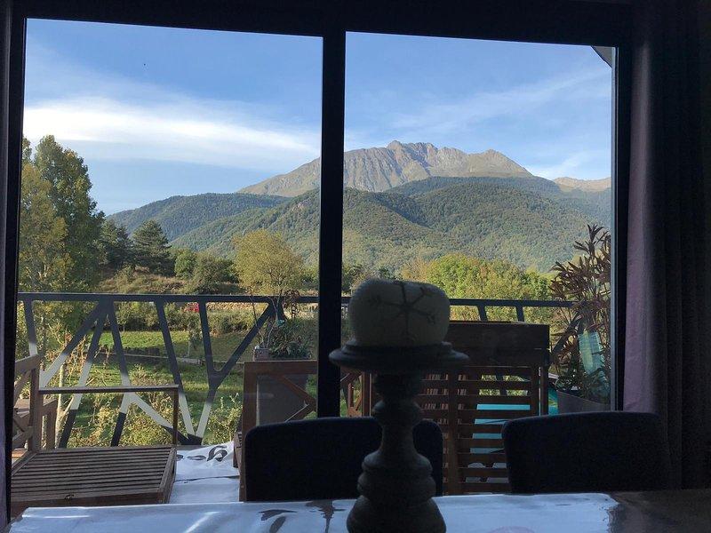 Chalet tout confort avec vue splendide, holiday rental in Gouaux