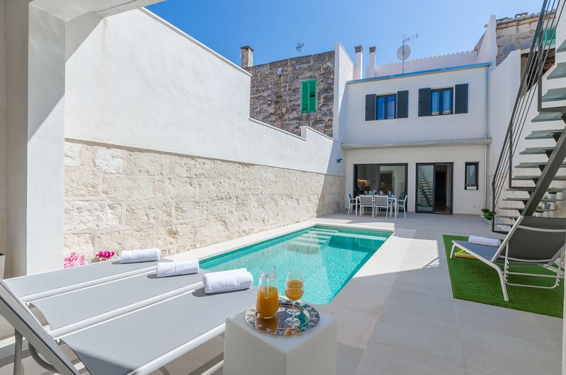 YourHouse Ca Na Foc nice house with private pool with gym, holiday rental in Sa Pobla