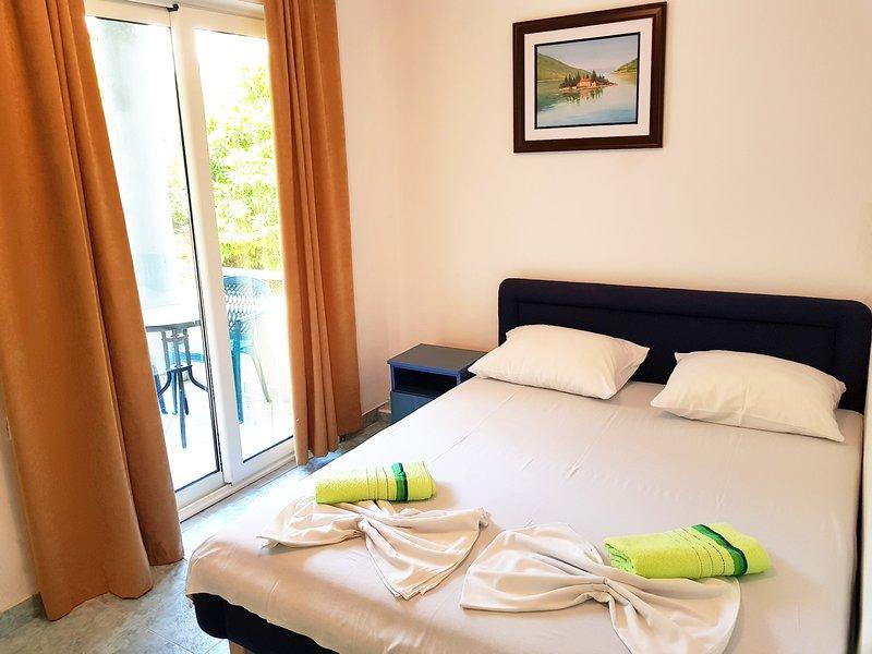 Doni apartments - double room, location de vacances à Ulcinj