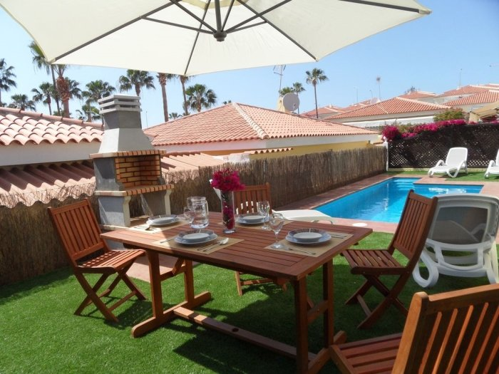 BEAUTIFUL VILLA 273 WITH PRIVATE POOL AND CAR INCLUDED !!, vakantiewoning in Callao Salvaje