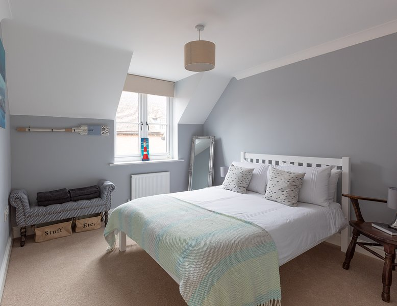 City Centre Home With Private Off Road Parking, holiday rental in Otterbourne