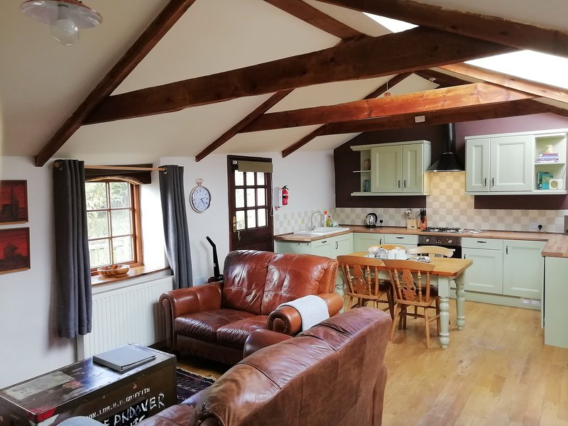 Trethellan Cottage, holiday rental in Lanner