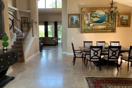 Amazing Luxury Jacksonville Home Great Access near Mayo Clinic and Jax Beach, location de vacances à Southside