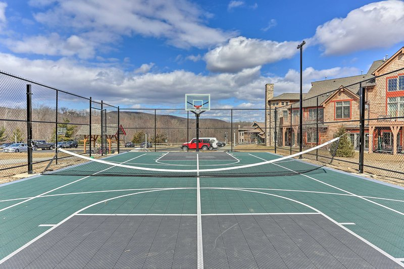 Tennis and basketball is all available!