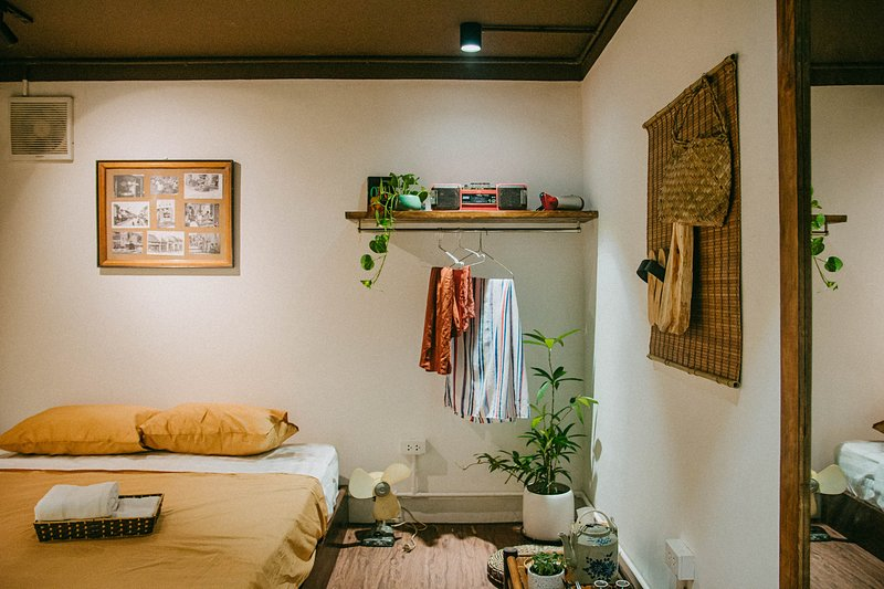HARMONY / COZY & PRIVATE SPACE / 2 MINS TO OLD QUARTER, casa vacanza a Dinh Bang