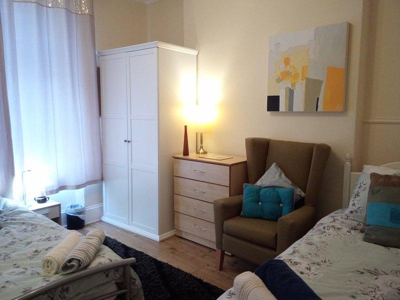 Cozy Old Aberdeen Apartment, holiday rental in Balmedie