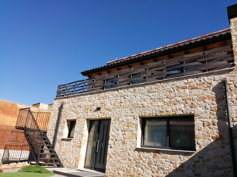 Apartament amb vistes: Montsant i Siurana, holiday rental in Prades