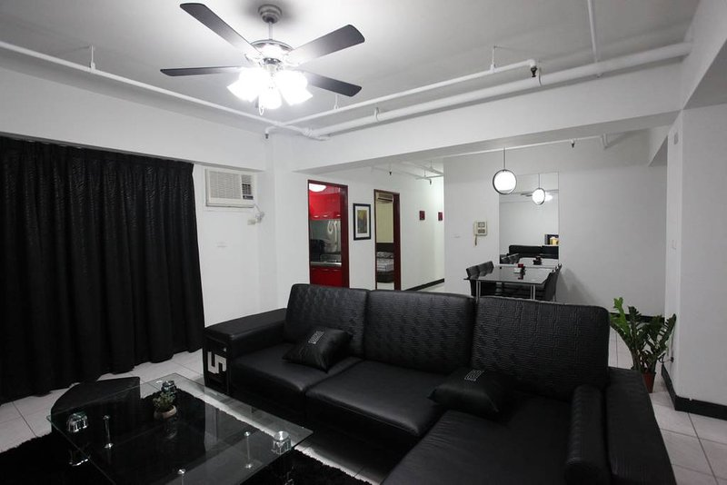 3B2b - 3 Min to MRT, 101 & Night Market Flair, vacation rental in Taipei