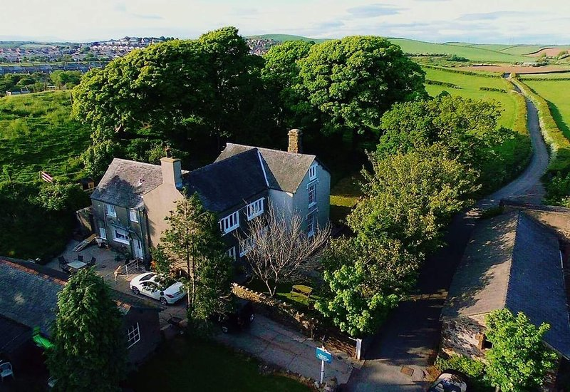 Stunning 16th century farmhouse, holiday rental in Dalton-in-Furness