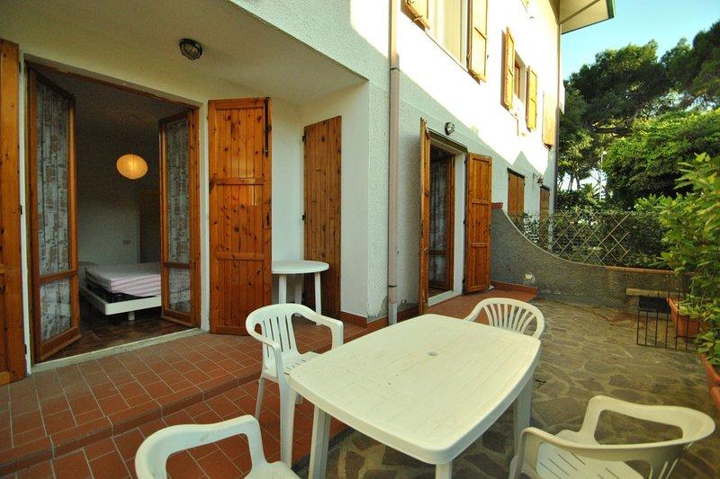 Residence Pino Italico - SCACCIALUPI - Pino Italico, vacation rental in Castiglioncello