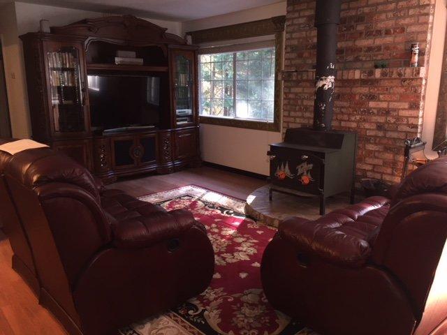Don's Cabin-Living Room