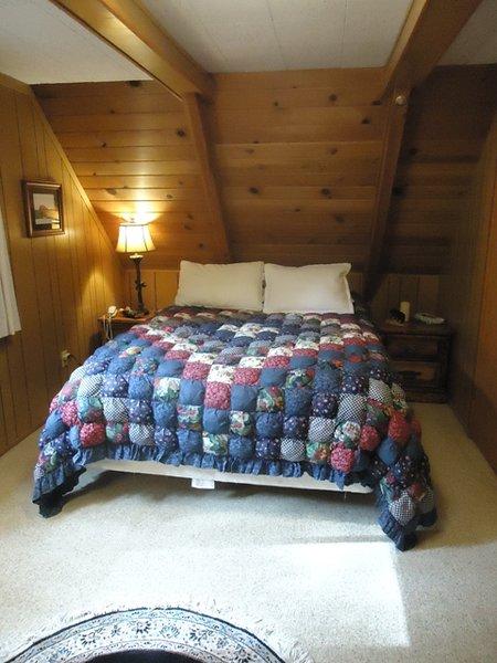Hicks Tree Fort-Upstairs Bedroom