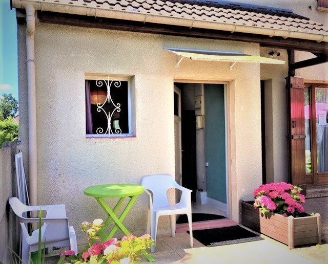 Beautiful Studio & Beautiful Terrace near Disneyland / Paris