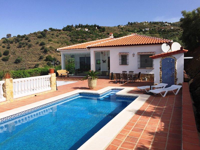 Finca Los Huertos con piscina privada para 6 personas, holiday rental in Carraspite