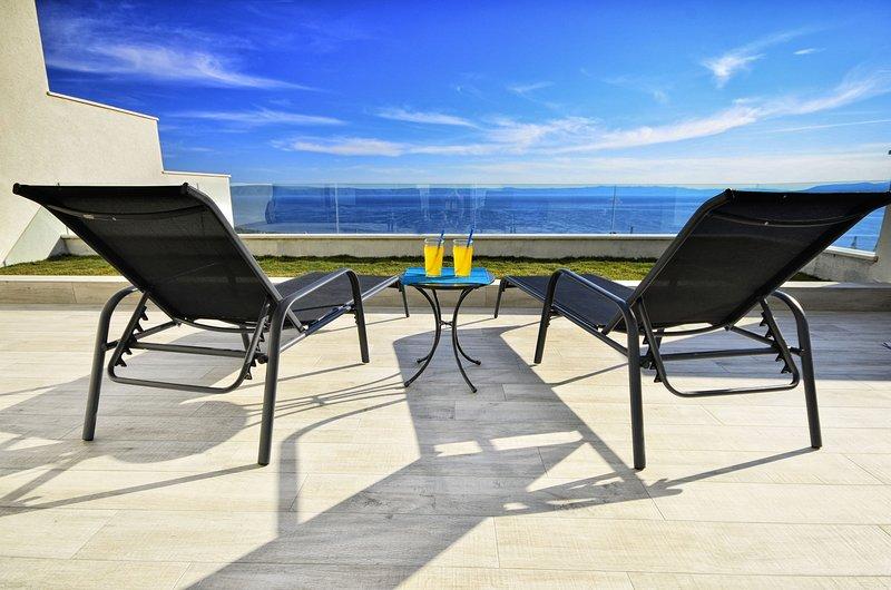 Villa Ninona with Heated Pool, vacation rental in Veliko Brdo