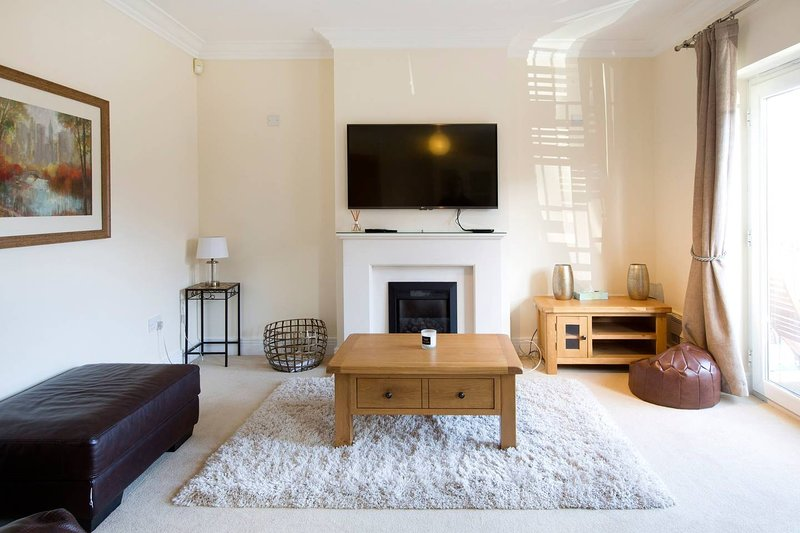 Spacious 5 Bedroom House in Jericho Oxford, vacation rental in Botley