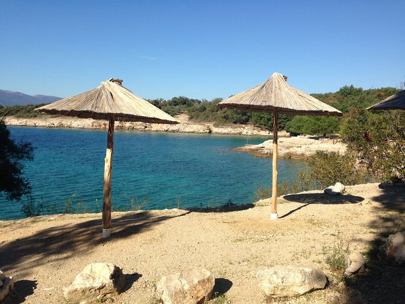 Apartment 'Nina'- calm area near beach (4 people), casa vacanza a Pinezici