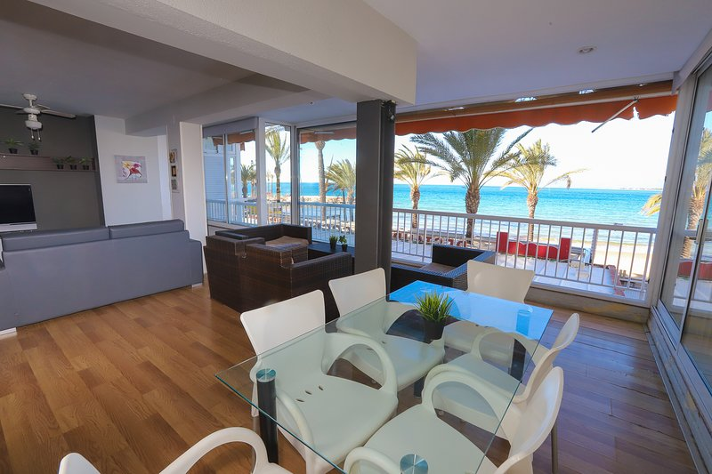 12 DIFFERENTFLATS ALTAIR, holiday rental in Salou