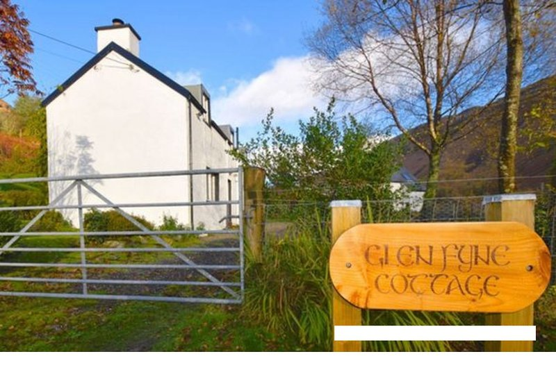 Glen Fyne Cottage, holiday rental in Cairndow