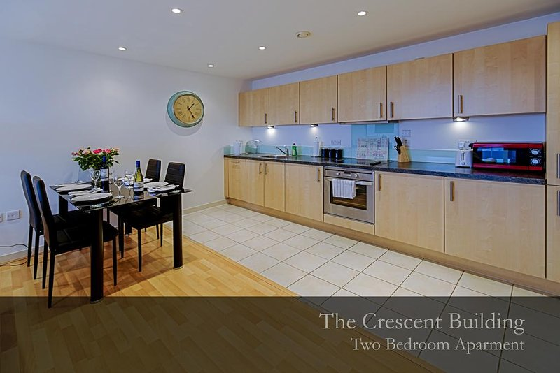Gunwharf Quays Apartments Two-Bedroom Deluxe Apartment 3, holiday rental in Portsmouth