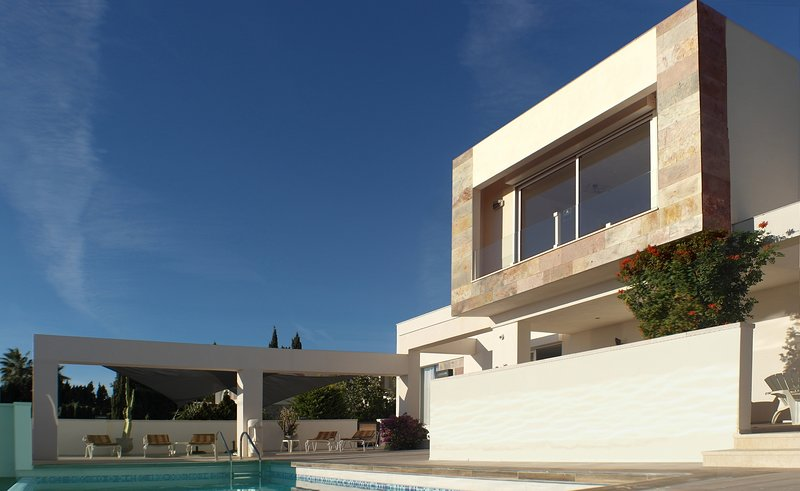 Villa Royale, top of the hill, sea views, wifi, pool, gated property, holiday rental in Calpe
