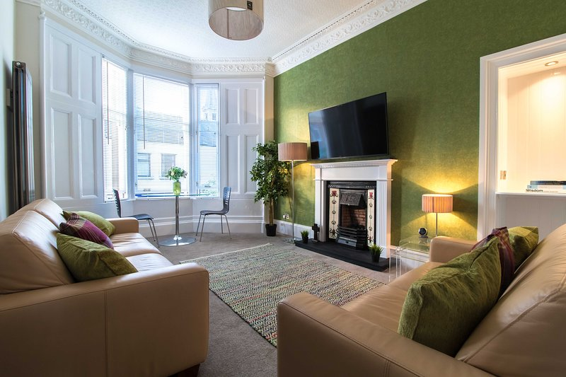 West Highland Apartment 'The Nevis', holiday rental in Bearsden